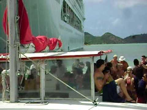 Tourists In Antigua   http://www.onlinedepartmentstores.org/caribbean-cruise