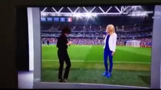 فيديو: مذيعة تفاجئ المشاهدين بتخطيها الشاشة!