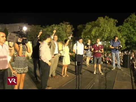 Valdepeñas: Valdepeñas bate el Record Guinnes de Brindis por Parejas