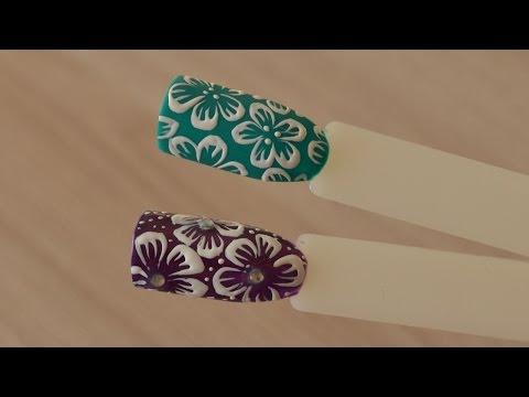 Видео как нарисовать цветы на ногтях