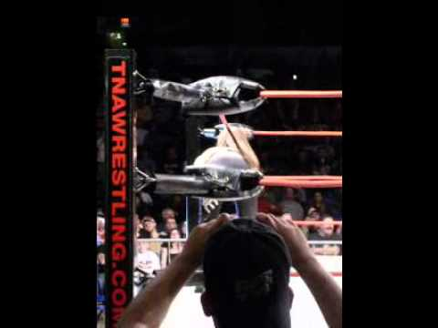 Madison Rayne vs. Angelina Love-TNA Live Show in Rockford,Illinois