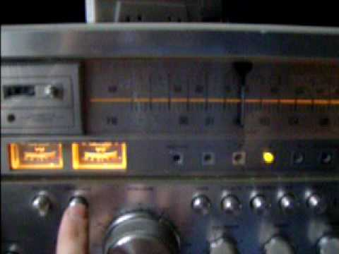 Soundesign Model 5928 AM/FM/8-Track/Cassette.avi
