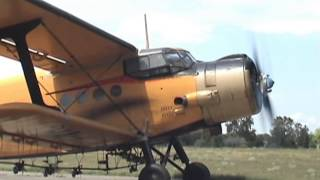 Antonov An-2 - engine start (awesome sound!)