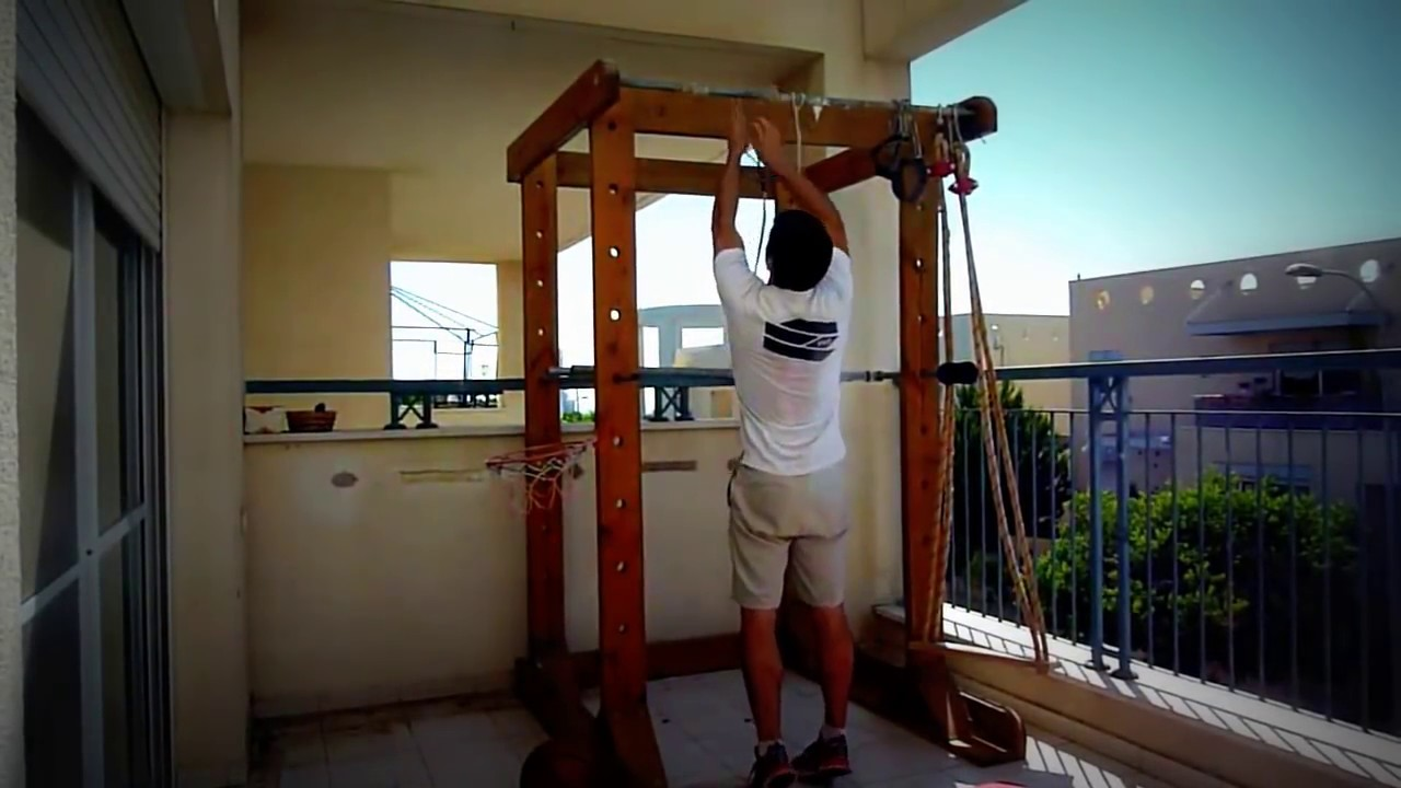 THE BEST HOMEMADE GYM (POWER RACK) - YouTube