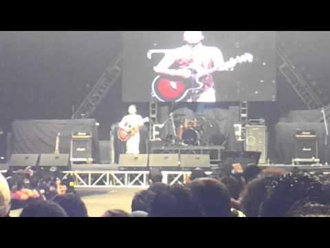 Johan Raja Lawak menyanyi lagu XPDC Teman - Konsert Fenomena...