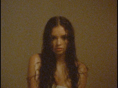 Sabrina Claudio - All To You (Lyric Visual)