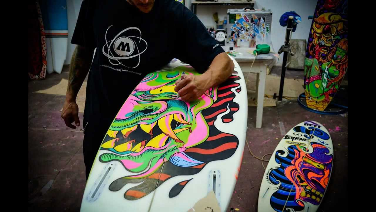 How to paint a surfboard - Martin Varbaro surfart - YouTube