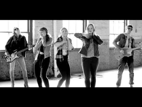 Emily Kinney - Rockstar video