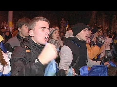 Ukraine: pro-EU street rallies relocate as police block main square