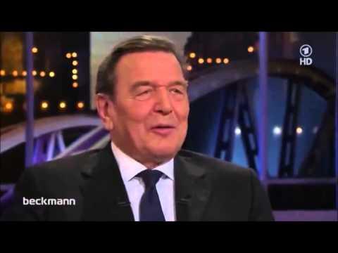Gerhard Schröder wird verhört wegen fehlender Liebe zu Amerika (eine Pflicht in BRD)