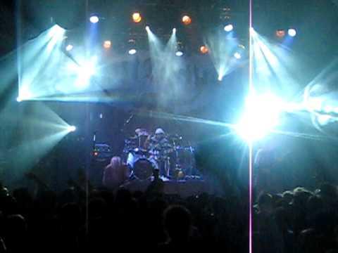 Download Lagu DEVILDRIVER-GRIN FUCKED-(The Opera House in Toronto) 2/2/2010 MP3 Free