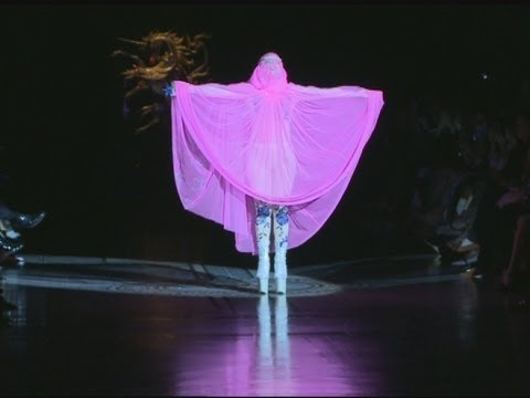 Lady gaga wows london and opens the philip treacy show