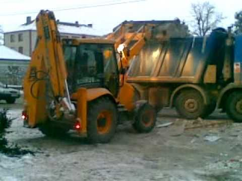 jcb 3cx backhoe loader tractopelle and bobcat s185 loading truck iveco