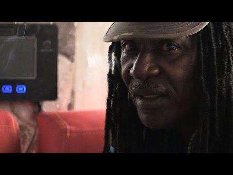 En Côte d'Ivoire, le reggaeman Alpha Blondy est devenu conteur