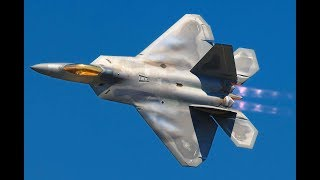 TRUMP SENDS DEADLY MESSAGE F-22 Raptors to show Putin who is Boss