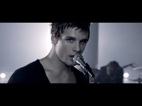 I SEE STARS - Murder Mitten (Official Music Video)