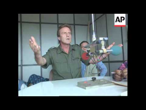 Rwanda - Kouchner Appeals For Killing To Stop