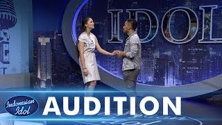 Download Lagu Bisa berduet dengan Judika, Juliette Angela  tersipu malu - AUDITION 4 - Indonesian Idol 2018 Gratis STAFABAND