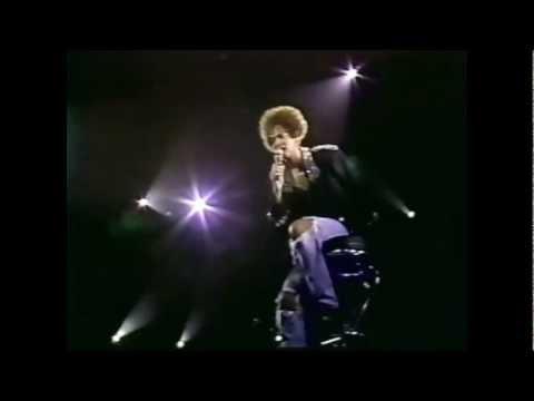 #nowwatching Whitney Houston LIVE - Miracle