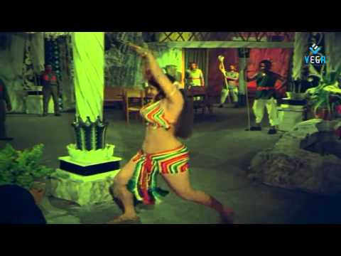 Guttuga puttillu Jaya Malini Romantic Video Song - Puli Bebbuli...