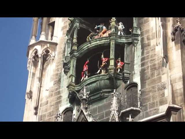 Music from the Munich Rathaus clock tower