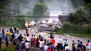 දිගන ගෝනවල නිවසක් නායයැම 2 storey house collapses in Digana