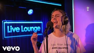 Download video Snakehips, MØ - Don't Leave in the Live Lounge