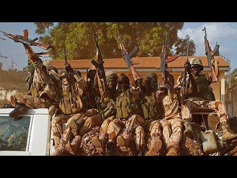 Evacuation of Muslims or more French troops for the Central African Republic?