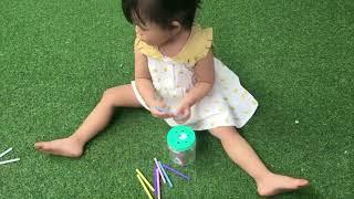 Tự làm đồ chơi cho bé 1 -2 tuổi| hộp thả que 3 cấp độ