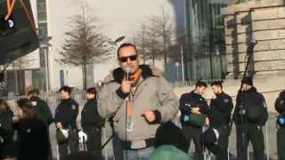 """Sternmarsch auf Berlin Demo am Reichstag 28.02.2015 - Rede von Stéphane Simon (""""Der Franzose"""")"""