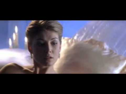 James bond die another day sex scene picture