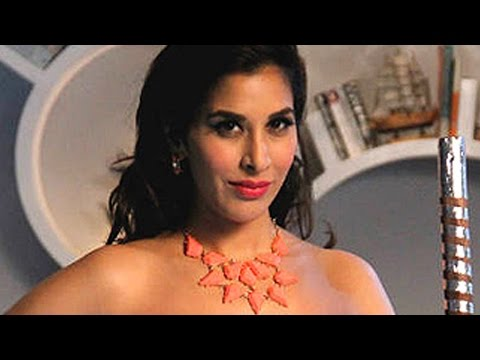Watch HOT Videos | HOTTEST Photo Shoots of BOLLYWOOD Stars At http://www.youtube.com/watch?v=oxcpKxB2tP8&list=SP8D24C3DB6EF737AB&index=1.