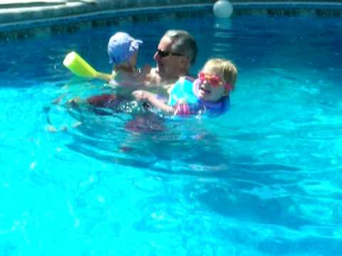 Ava, Lauren and daddy in the pool May 2009 Video