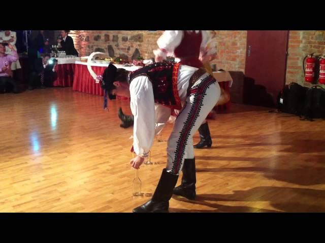 El baile de la botella,tradicional de Eslovaquia