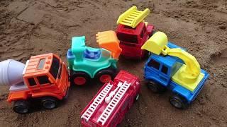 Xe ô tô tải lơn và xe kéo cần cẩu giải cứu các xe ô tô bé -  đồ chơi trẻ em