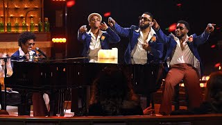 Download Lagu Mp3 Bruno Mars, Anderson .Paak, Silk Sonic- Leave The Door Open Live from the iHeartRadio  Awards