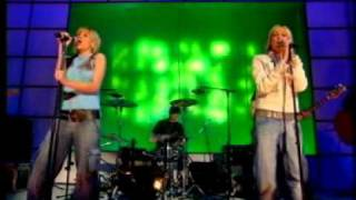 Appleton - Don't Worry (Live @ Top Of The Pops 21/02/2003)