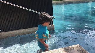 Swimming at hard rock penang..khaleef dayyan alone!!