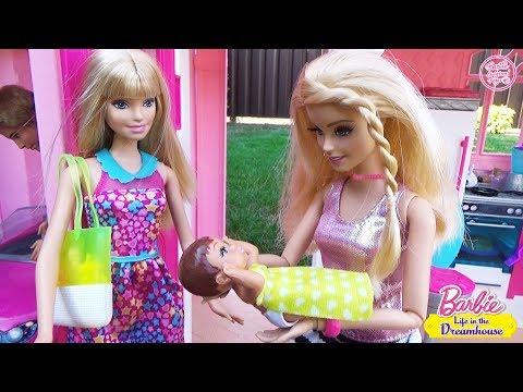 Мультик Барби встречает сестру в Доме Мечты Челси и малыши попали под дождь ♥ Barbie Original Toys