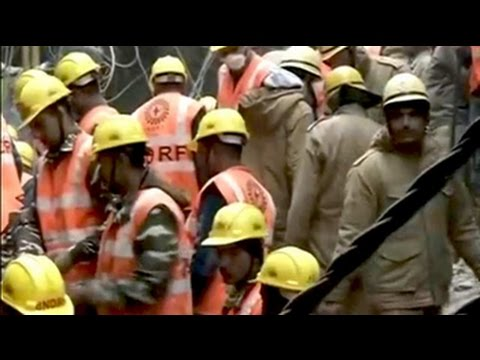 3 feared trapped in rubble as building collapses in Delhi's Gautampuri