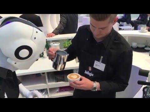 Latte Art Competition - Barista vs. Coffee Robot