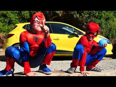 В поисках ноутбука! Маша и два Человека паука преследуют Дарта Вейдера! Темная сторона силы!