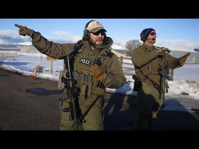 """""""¡Mátennos de una vez!"""": Francotiradores del FBI rodean a los milicianos de Oregón"""