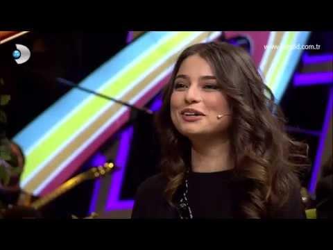 Beyaz Show - Ayça Ayşin Turan'ın sakarlıkları!