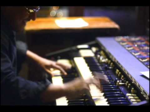 Greg Lewis Trio Monk's 52nd st Theme.wmv