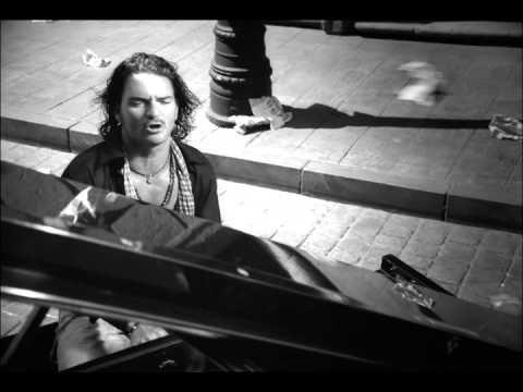 Ricardo Arjona - Acompáñame a Estar Solo (Video Oficial) Music Videos