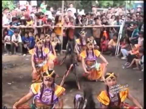Tarian Jathilan - Lintang Pradonggo (bagian 1) video