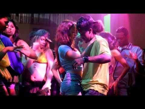 Как танцевать в клубе или на дискотеке