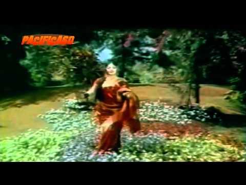 Dhani Chunri Pehan Sajke Ban Ke Dulhan : Hare Kaanch Ki Chudiyan 1968 video