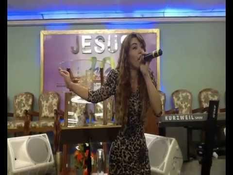 Leandra Nascimento-Pregando em D.de Caxias-RJ